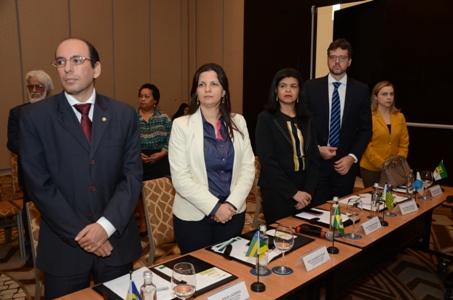 Dra. Hildeth Evangelista durante reunião do Colégio de Defensores Gerais