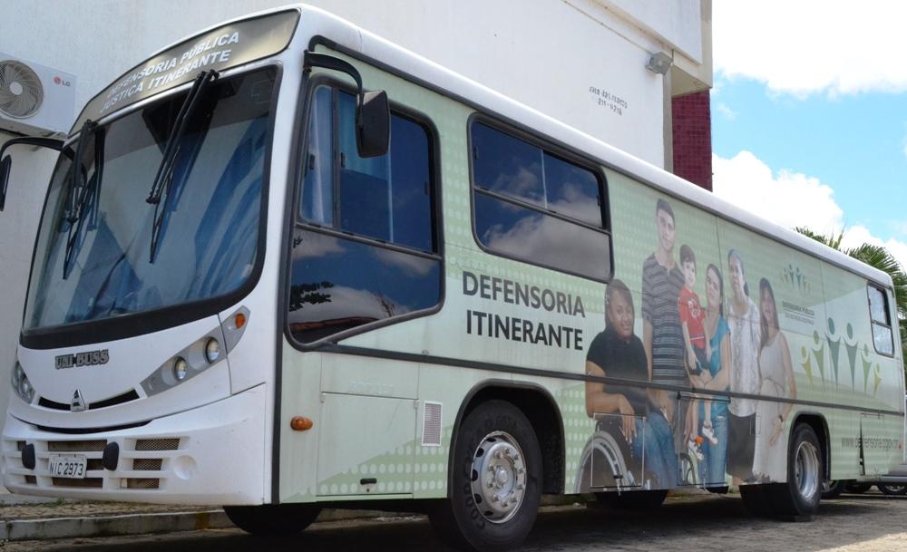 Ônibus da Defensoria Itinernate