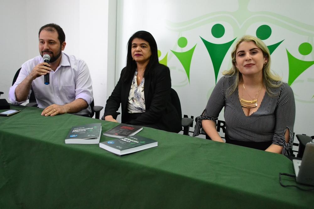 Dra. Hildeth Evangelista, Dra. Alynne Patrício e Dr. João Batista Viana durante a abertura do evento