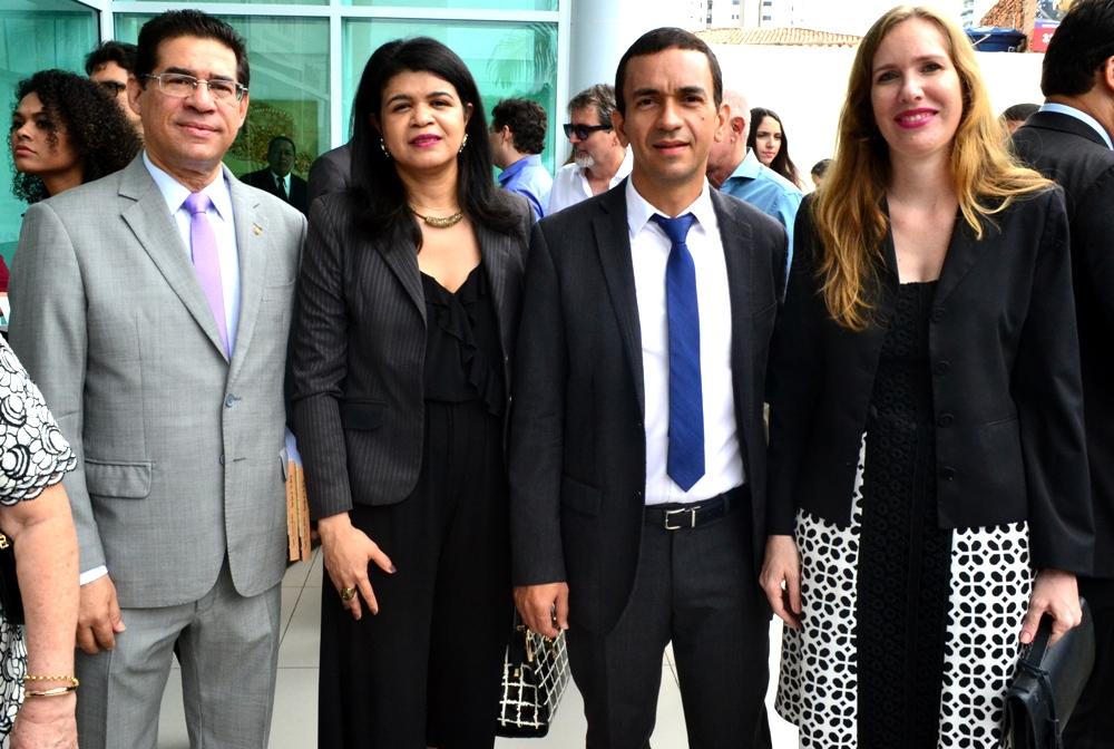 Inauguração contou com número significativo de autoridades