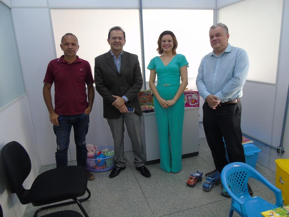 Dra. Karla Andrade, Dr. Roosevelt Vasconcelos Filho, Dr. Wagner Araújo Nery da Cruz e o contador da Vara do Trabalho