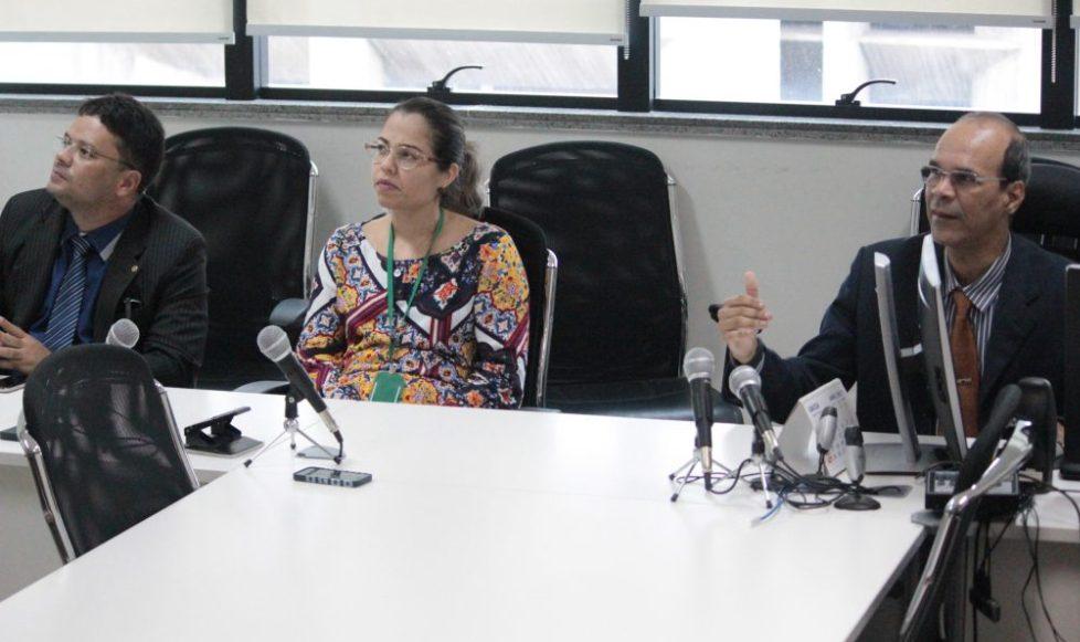 Dr. Fabrício Araújo durante apresentação da pesquisa pelo Juiz Dr. José Vidal Freitas