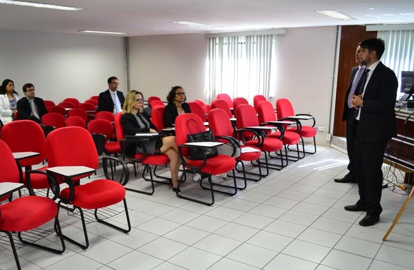 Dr. João Neto ministra palestra para Juízes