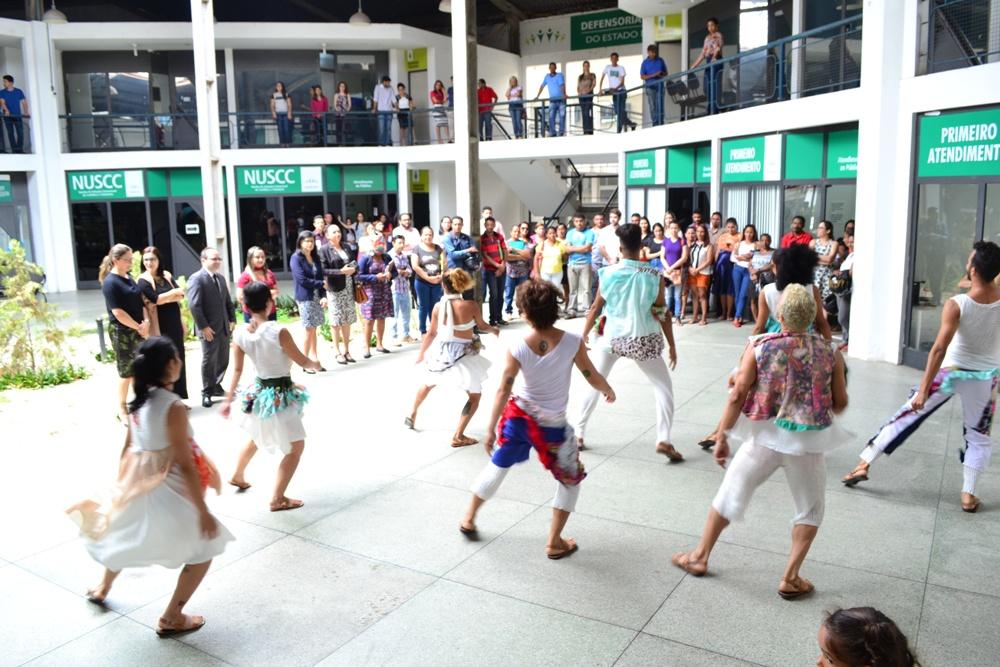 Balé da Cidade de Teresina encerrou o Outubro Rosa na Defensoria Pública