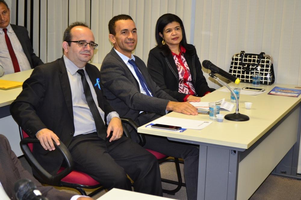 Dr. Erisvaldo Marques, Dr. Ivanovick Feitosa e Dra. Hildeth Evangelista na primeira audiência pública sobre o Orçamento