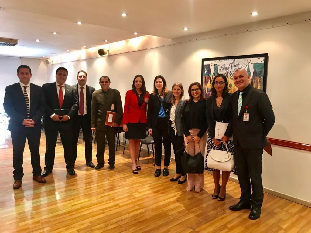 Dra. Andrea Melo e demais integrantes do intercâmbio na Argentina