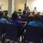 Dra. Sara Melo fala para idosos sobre direitos do consumidor