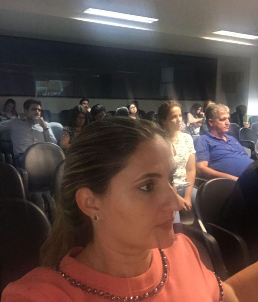 Dra. Patrícia Monte no plenário do evento
