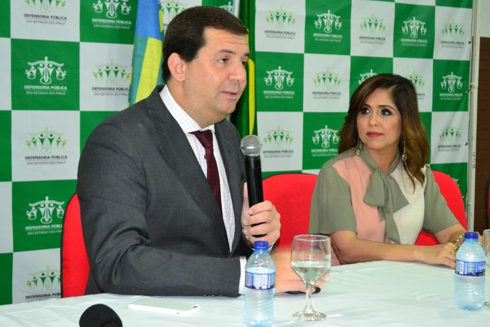 Dr. Cristiano Chaves e Dra. Andrea Melo, Diretora ESDEPI