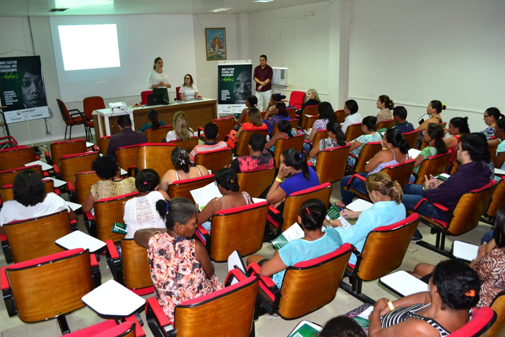 Dra. Patrícia Monte e Juciara Santiago ministraram a Oficina