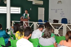 Dra. Patrícia Monte ministra a Oficina de Direitos em Palmeirais