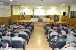 Dr. Igo Sampaio fala para policiais