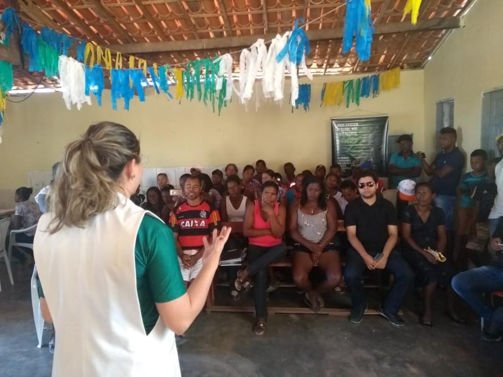 Dra. Patrícia Monte ministra Oficina na Comunidade Ema
