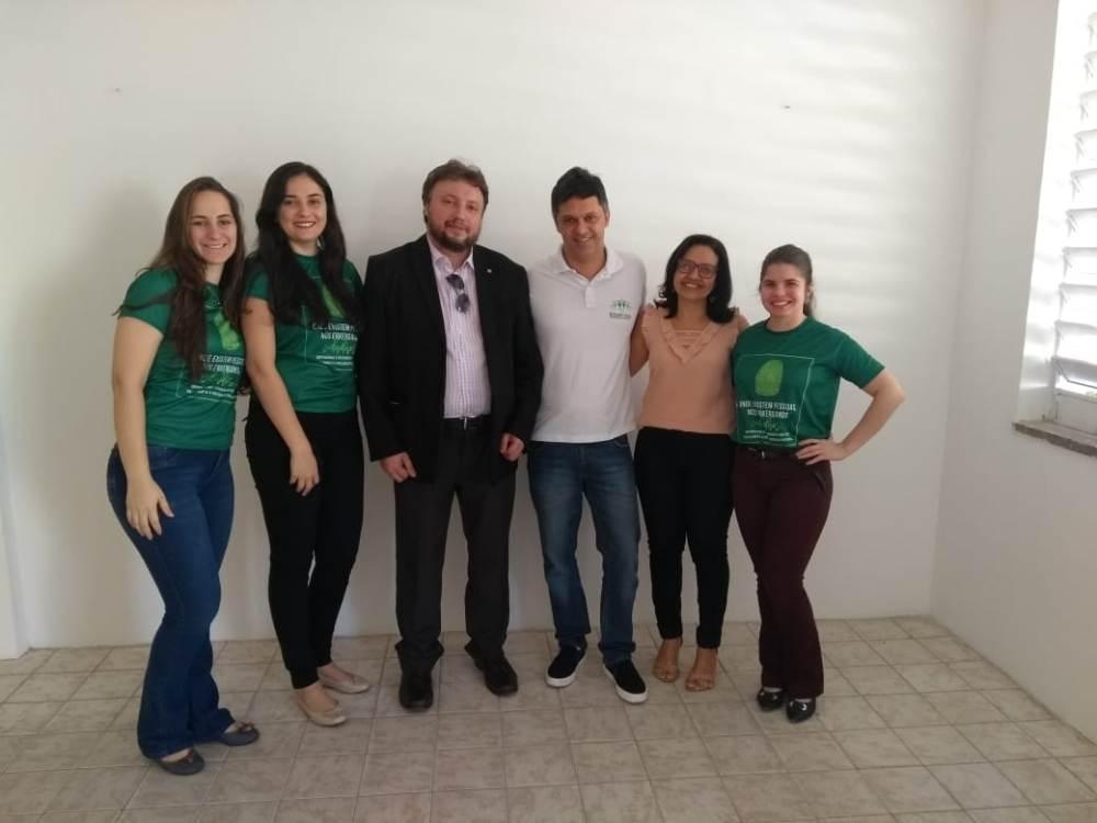 Dr. Afonso Júnior, Dr. Igo de Sampaio e equipe no CEM