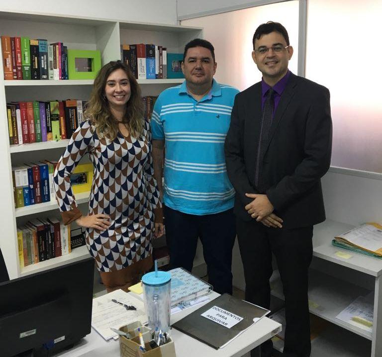 Dr. Gerson Henrique Sousa, Dra. Lívia Revorêdo e Dr. Omar Santos Rocha