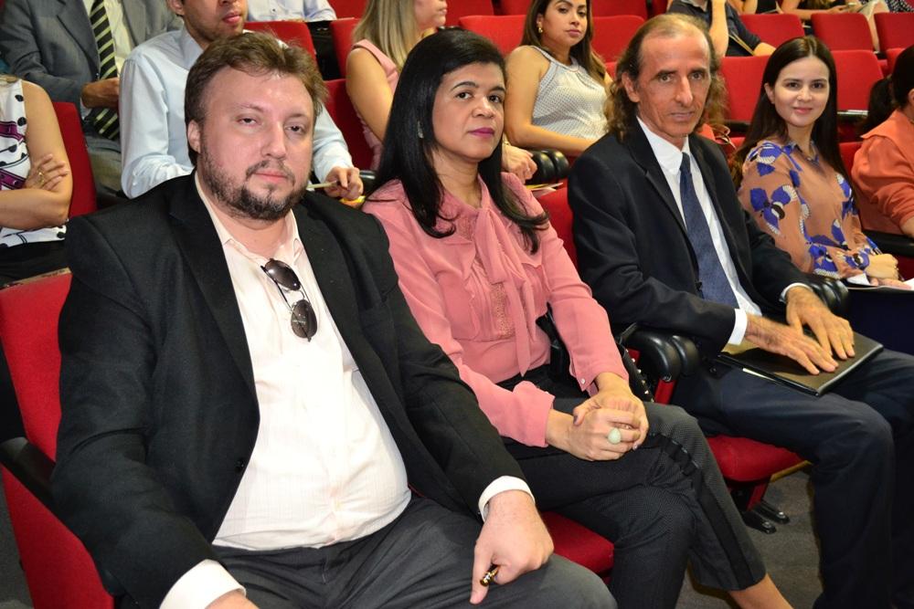 Dra. Hildeth Evangelista, Dr. Igo Sampaio, Dr. Rogério Newton e Dra. Natália Freitas