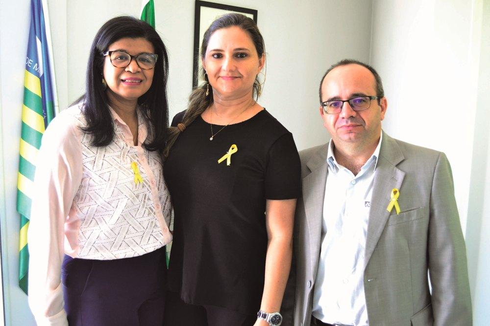 Gestores aderiram ao uso do laço amarelo chamando atenção para a prevenção ao suicídio