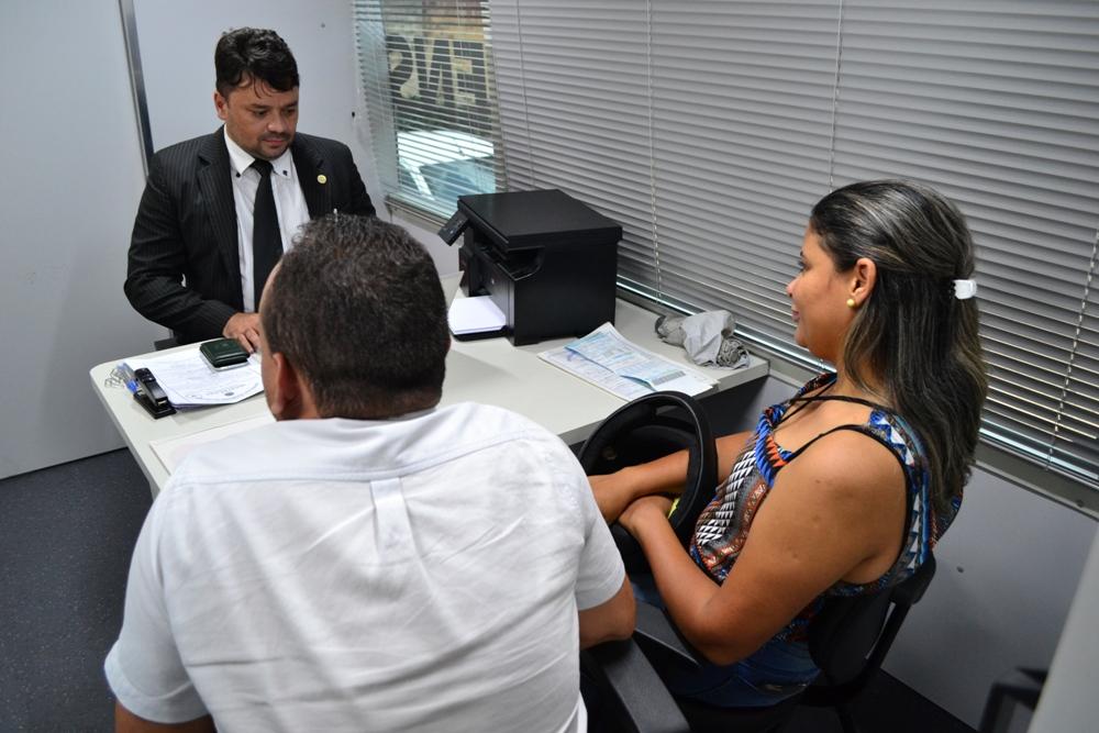 Dr. Fábrício Márcio Araújo, em atendimento na Uespi do Dirceu