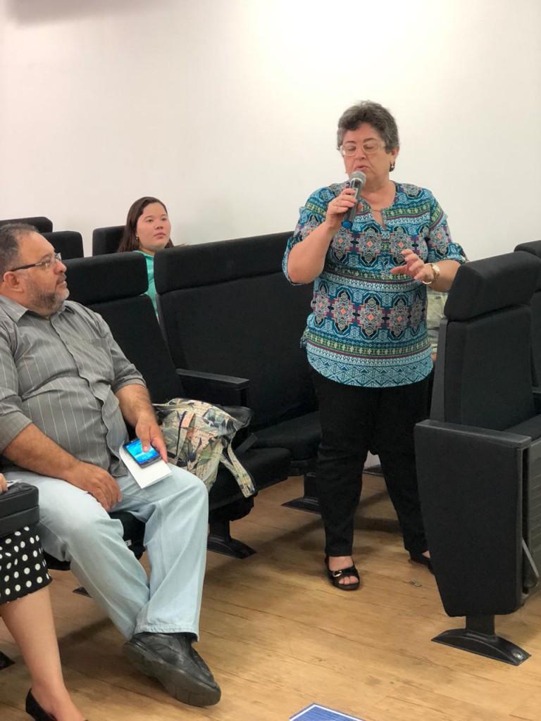 Manifestação da Professora Lourdinha Moura
