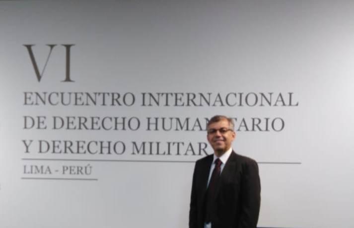 Dr. Roberto Freitas no evento realizado no Peru