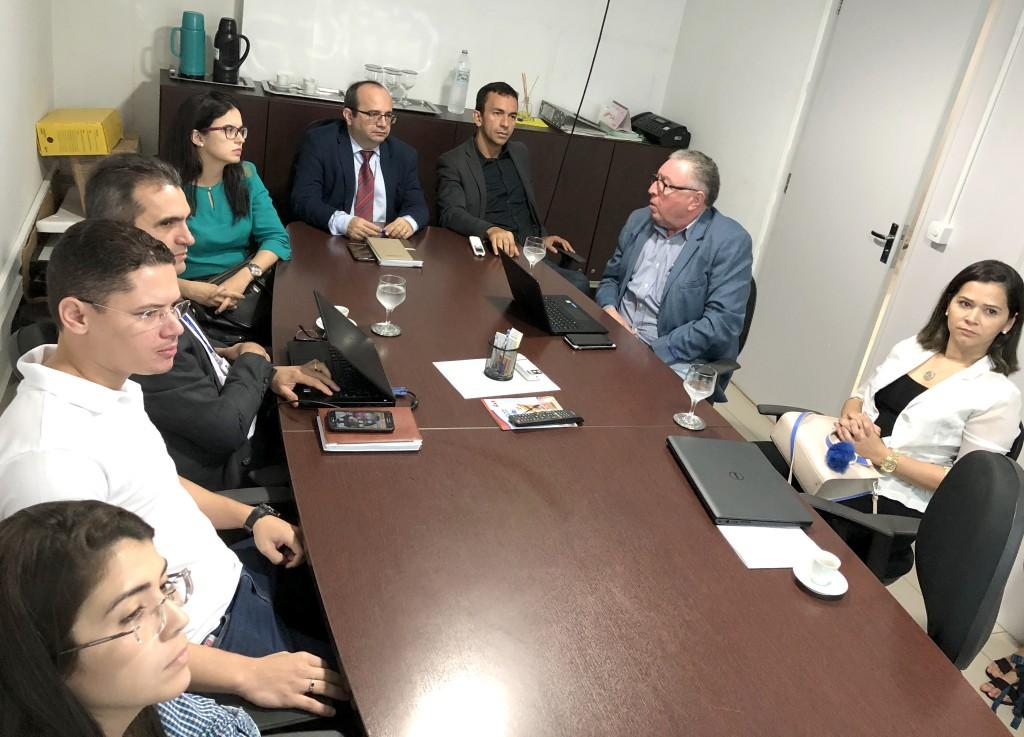 Reunião aconteceu na sala de reuniões do Gabinete da Defensoria