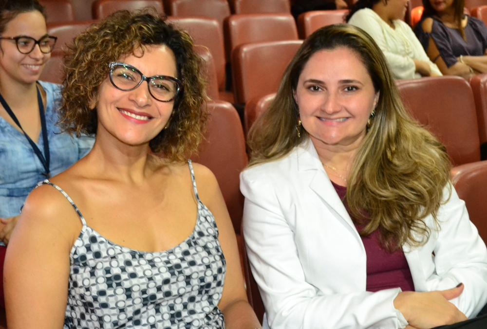 Dra. Verônica Acioly e Dra. Patrícia Monte na solenidade