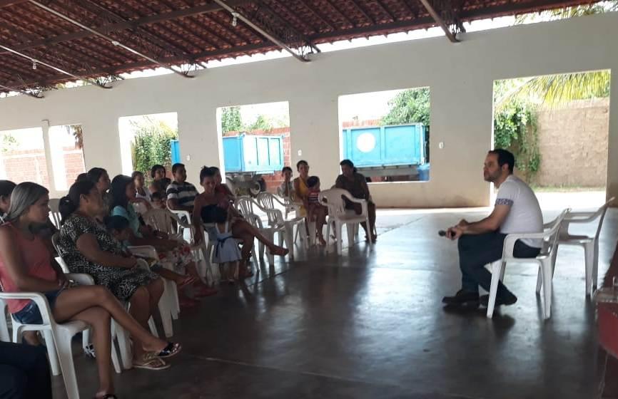 Dr. Leandro Ferraz conversa com a comunidade