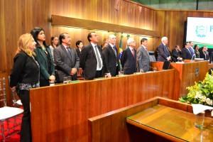 Dra. Hildeth Evangelista na Mesa de Honra durante abertura do ano legislativo