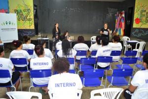 Defensoras públicas em atuação na Penitenciária Feminina