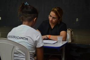 Dra. Viviane Setúbal atende reeducanda