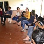 Dra. Carla Yáscar Belchior fala durante a Roda de Conversa