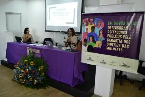 Dra. Débora Cunha mediou a palestra da Dra. Maria das Dores Sousa Nunes