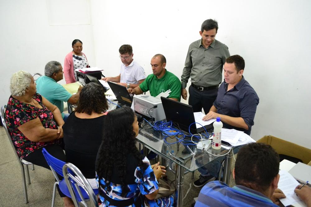 Dr. Marcelo Pierot e equipe da Itinerante em atendimento na Uespi do Dirceu