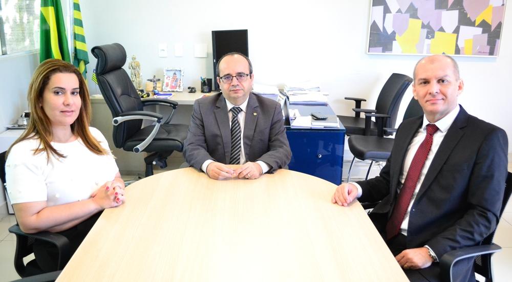Dr. Erisvaldo Marques esteve presente na reunião