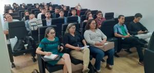 Auditório atento às palestras