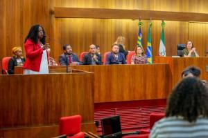 Representante do Coisa de Nêgo fala durante a Sessão