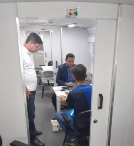 Dr. Francisco Cardoso Jales em atendimento na Nova ceasa