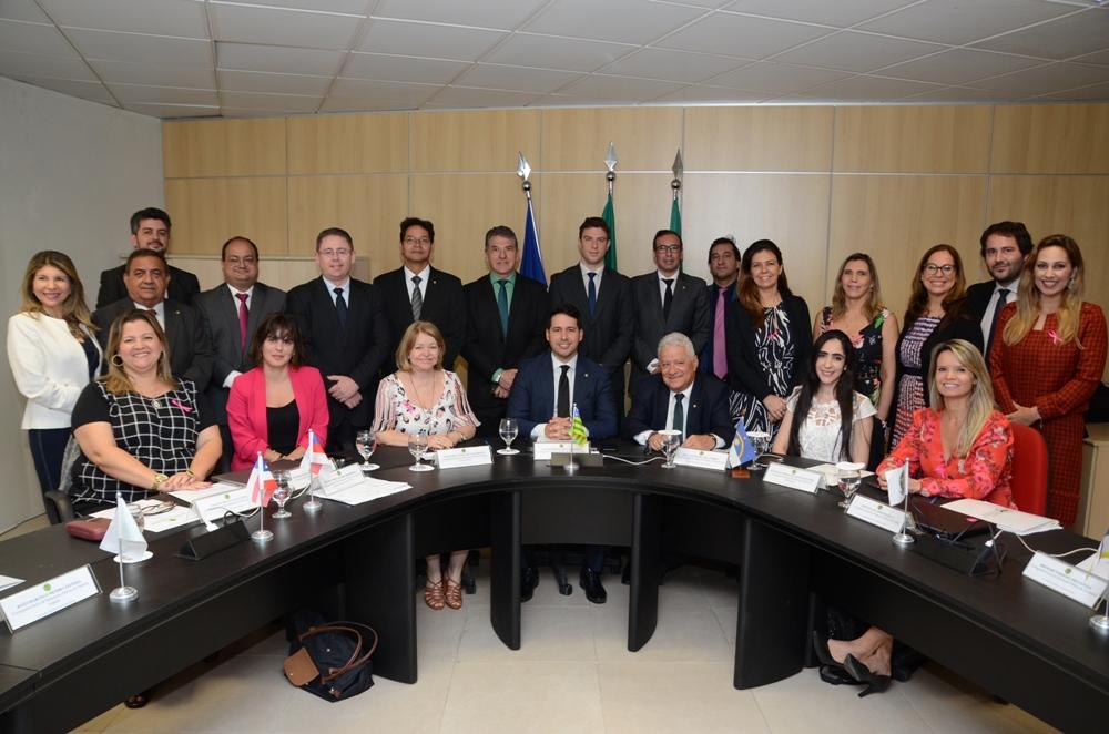 Dra. Ana Patrícia Salha e demais Corregedores que participaram do Encontro