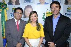 Defensora Sara Miranda ladeada pelo Secretário José Santana e Deputado Marden Menezes , diz que irá acompanhar efetivação do direito